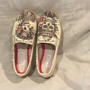 PC1) brand new canvas shoes